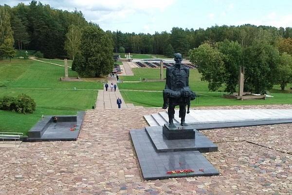 Экскурсия Мемориальный комплекс «Хатынь»